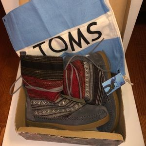 TOMS Nepal Mixed Woven women's Boots fuzzy 🥾
